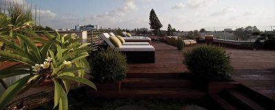 מיטות שיזוף בגינת גג