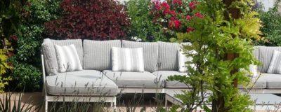 מערכת ישיבה עם פרגולה בגינת גג