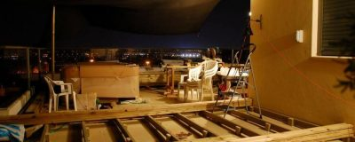 הקמת גינה על הגג עד השעות הקטנות של הלילה