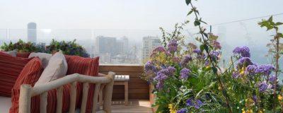 מערכת ישיבה בגינת מרפסת בתל אביב