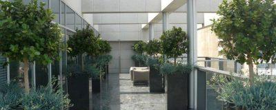מרפסת בבניין משרדים עם גינה